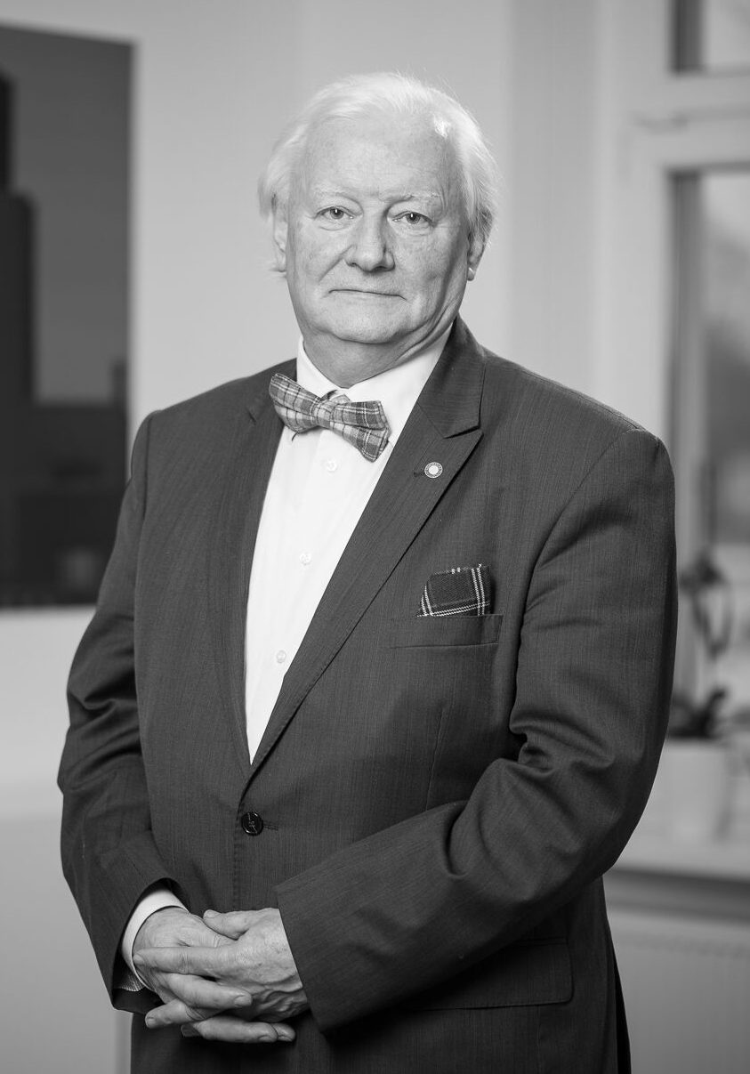 Krzysztof Szkurat, Adwokat (of counsel)